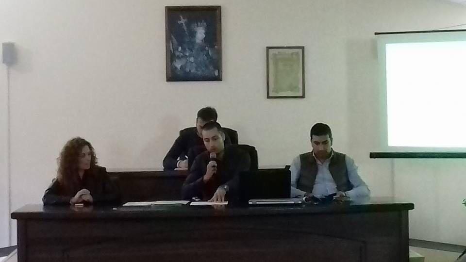 (Amministratori Comunali Filogaso con al centro sindaco Trimmeliti)